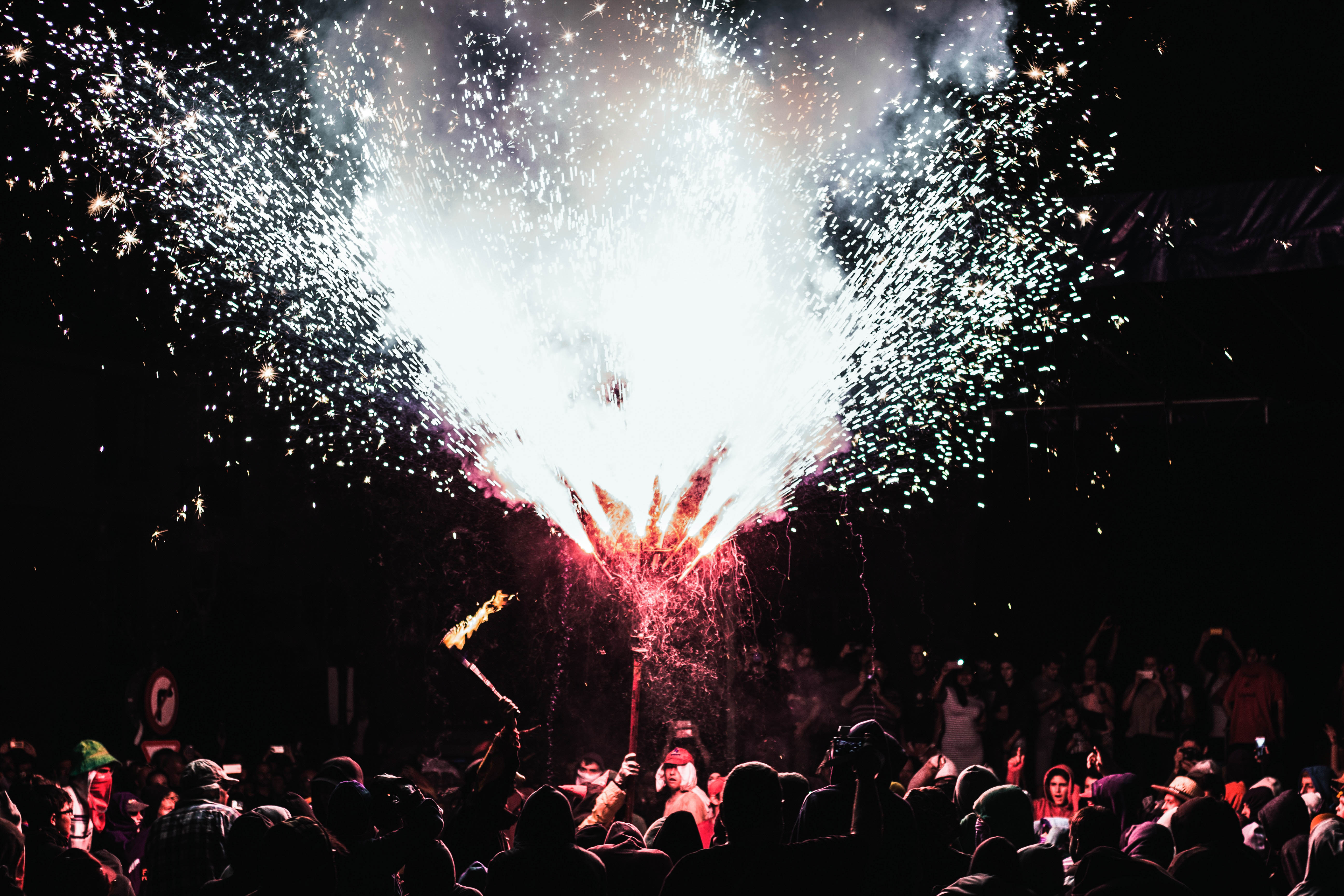 """Catalan festivals and traditions: The Correfoc and the """"Diables"""""""